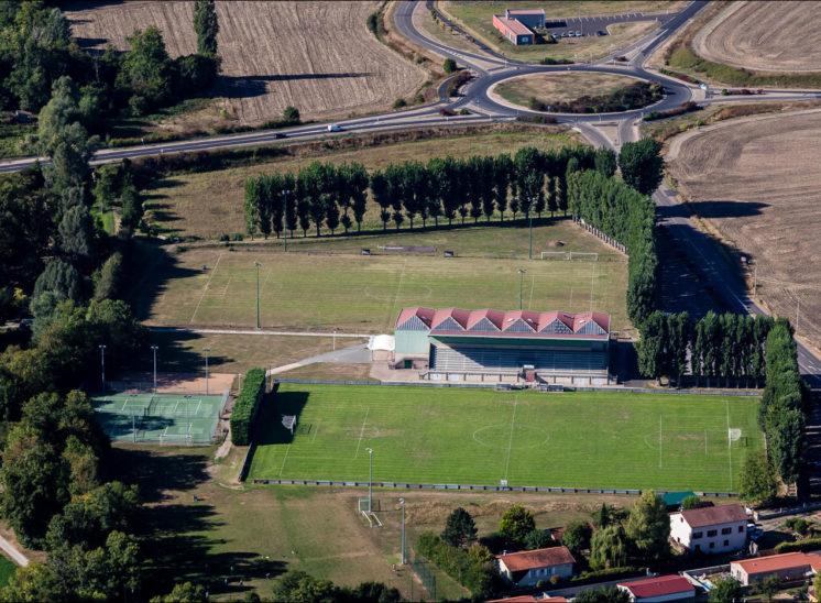 Vue aérienne du complexe sportif de Le Cendre